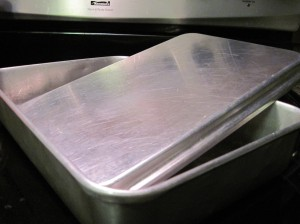 Sheet Cake Pan with Metal Lid