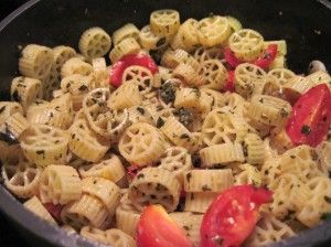 Pesto Pasta with Tomatoes