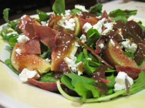 Fig Salad with Goat Cheese and Prosciutto