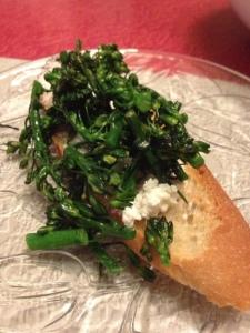 Crostini with Broccolini