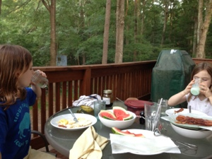 Outdoor dining for the win!