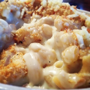 White Cheddar Mac-n-Cheese with Bread Crumb Toppings from Homeroom.